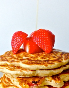 Whole Wheat Pancakes with Oats and Strawberries
