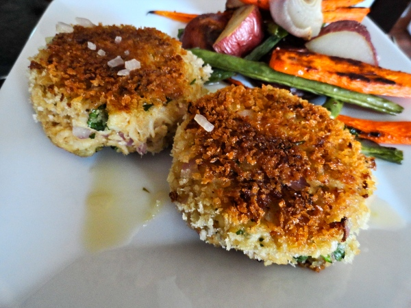 Crab Cakes with Tangy Butter Sauce