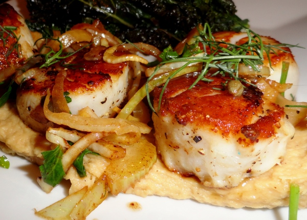 Scallops with Fennel Grenobloise